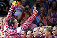 Сборная России по художественной гимнастике стала первой в групповом многоборье на Олимпийских играх в Лондоне. За российскую команду выступали Анастасия Близнюк, Ульяна Донская, Ксения Дудкина, Алина Макаренко, Анастасия Назаренко и Каролина Севастьянова. Это 23-я золотая медаль сборной России на Олимпиаде.