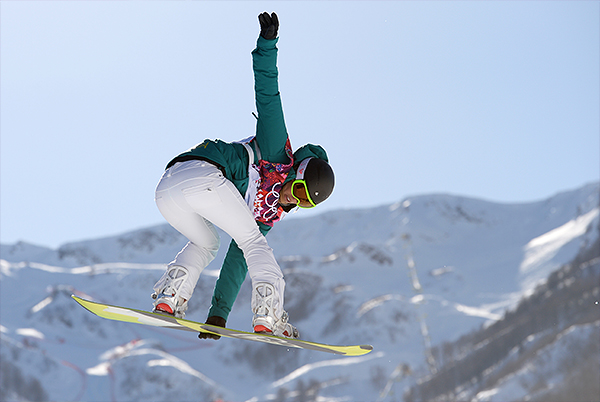 Тора Брайт (Австралия) в квалификации слоупстайла на соревнованиях по сноуборду среди женщин на XXII зимних Олимпийских играх в Сочи.