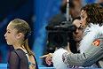 Юлия Липницкая (Россия) перед выступлением в короткой программе женского одиночного катания командных соревнований по фигурному катанию н