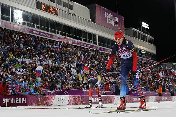 Биатлонистка сборной России Ольга Вилухина стала серебряным призером в воскресной спринтерской гонке на Олимпиаде в Сочи.