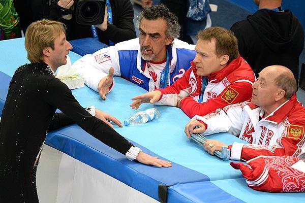 Алексей Мишин, тренер двукратного олимпийского чемпиона Евгения Плющенко, выразил сомнение, что спортсмену стоит продолжать любительскую карьеру.