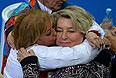 Тренеры по фигурному катанию Елена Буянова (слева) и Татьяна Тарасова после выступления спортсменок в произвольной программе женского одиночного катания на соревнованиях по фигурному катанию.