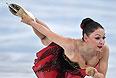 Элене Гедеванишвили (Грузия) выступает в произвольной программе женского одиночного катания на соревнованиях по фигурному катанию.