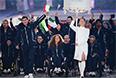 Представители Италии во время парада атлетов и членов национальных делегаций на церемонии открытия XI зимних Паралимпийских игр в Сочи.