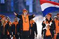 Представители Нидерландов во время парада атлетов и членов национальных делегаций на церемонии открытия XI зимних Паралимпийских игр в Сочи.