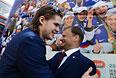 Игрок национальной сборной России по хоккею Виктор Тихонов (слева) во время торжественных мероприятий по случаю победы сборной России на чемпионате мира.