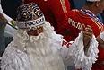 Дед Мороз болеет за сборную России в матче против Южной Кореи.