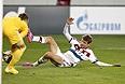 """Нападающий """"Баварии"""" Томас Мюллер смог забить армейцам только с пенальти. С его ударами с игры Игорь Акинфеев справился."""