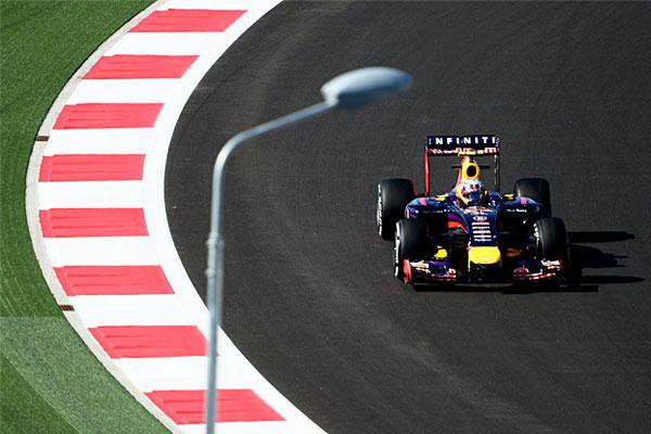 Гонщик команды Red Bull Racing Себастьян Феттель.