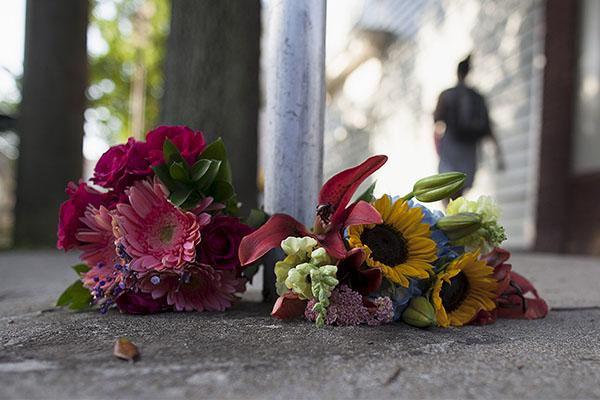 Несколько человек стали жертвами стрельбы в церкви Чарлстона (Южная Каролина). Установлено, что стрельбу открыл 21-летний Диланн Руф.