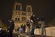 Во Франции усилены меры безопасности, полицейские и военные патрулируют улицы и места традиционного скопления людей. В том числе площадь перед Собором Парижской Богоматери. В стране объявлено чрезвычайное положение.