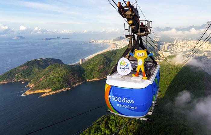 Власти Бразилии выделили 24,1 млрд бразильских реалов ($10,76 млрд) на улучшение инфраструктуры Рио-де-Жанейро перед Летними Олимпийскими играми. На развитие проектов в сфере транспорта и окружающей среды выделялись как государственные, так и частные средства.