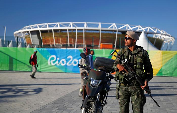 Безопасность во время проведения Олимпийских игр будут обеспечивать около 85 тысяч человек, из них 47 тысяч полицейских и 38 тысяч солдат. После теракта в Ницце власти Бразилии заверили, что пересмотрят планы по обеспечению безопасности.
