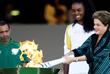 Волейболистка Фабиана Клаудино открыла эстафету олимпийского огня в Бразилии. Двукратная олимпийская чемпионка получила факел из рук президента Бразилии Дилмы Руссефф.