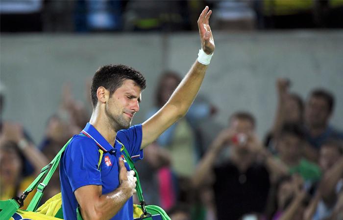 Лидер мирового тенниса Новак Джокович сенсационно проиграл уже в первом круге олимпийского турнира, уступив аргентинцу Хуану Мартину дель Потро. По словам серба, это поражение стало одним из самых тяжелых в его жизни.