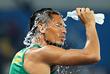 Легкоатлет из ЮАР Вайде Ван Никерк побил рекорд 17-летней давности в забеге на 400 м. Его результат  - 43.03 с