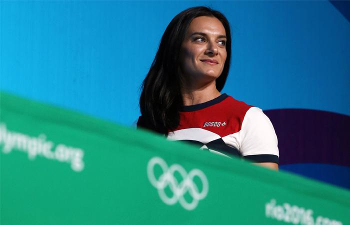 Двукратная олимпийская чемпионка по прыжкам с шестом Елена Исинбаева во время пресс-конференции на XXXI летних Олимпийских играх в Рио-де-Жанейро, август 2016 год