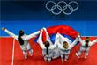 Женская сборная России по фехтованию стала обладателем золота летних Олимпийских игр, одержав победу в командном соревновании саблисток. В финале российская команда, в составе которой выступили Софья Великая, Юлия Гаврилова и Яна Егорян, одержала победу над соперницами из сборной Украины. Итоговый счет – 45:30 в пользу россиянок.