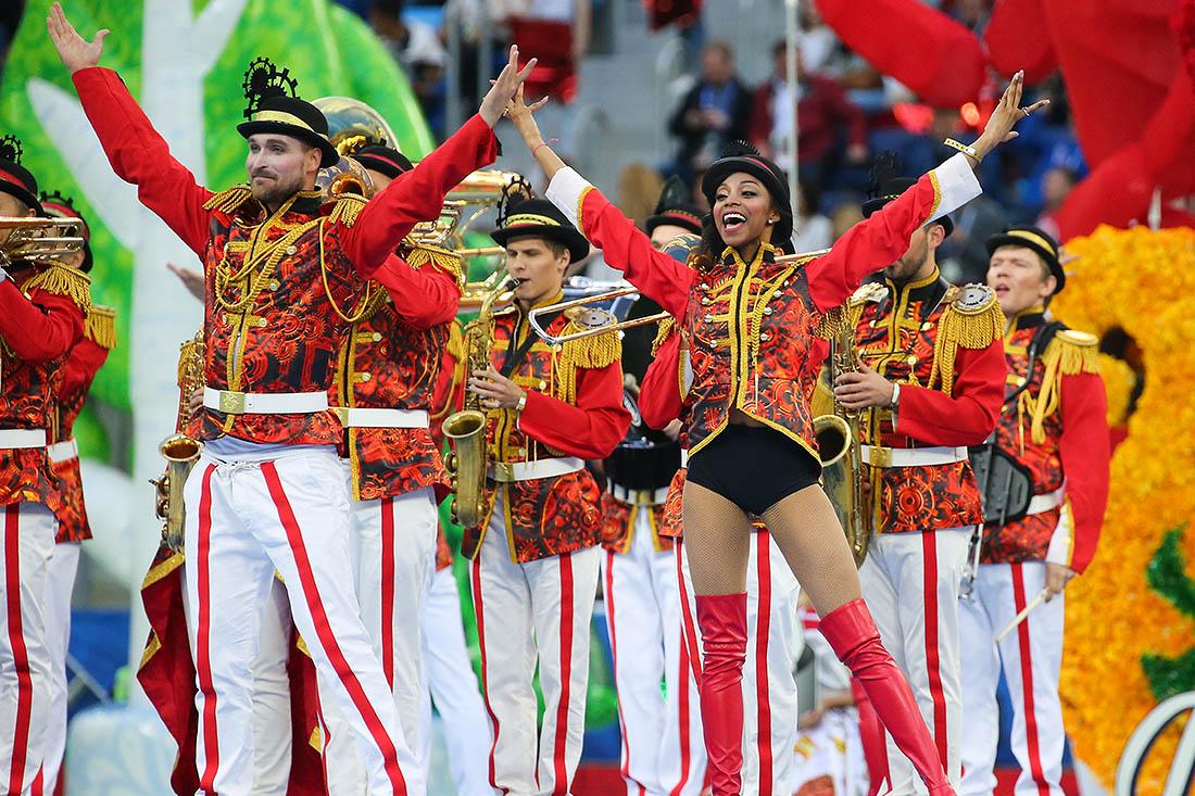 Сборная России (главный тренер – Станислав Черчесов) выступала в группе А, где победила Новую Зеландию (2:0), уступила Португалии (0:1), Мексике (1:2), набрала 3 очка, заняла третье место и в плей-офф не пробилась.