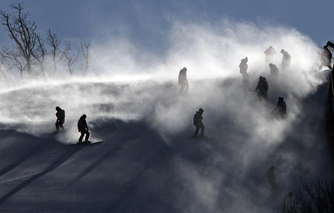 """Непогода в горном центре """"Юнпионг"""", где должны были проводиться соревнования по гигантскому слалому"""