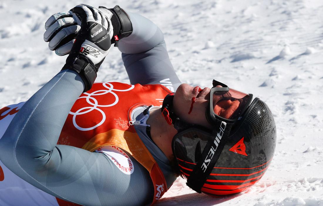 Российский спортсмен Павел Трихичев получил травму после падения в соревнованиях по горнолыжному спорту