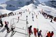 Команды Швейцарии и Италии во время Европейского футбольного турнира горных деревень на леднике Аллалин в Саас-Фе, Швейцария