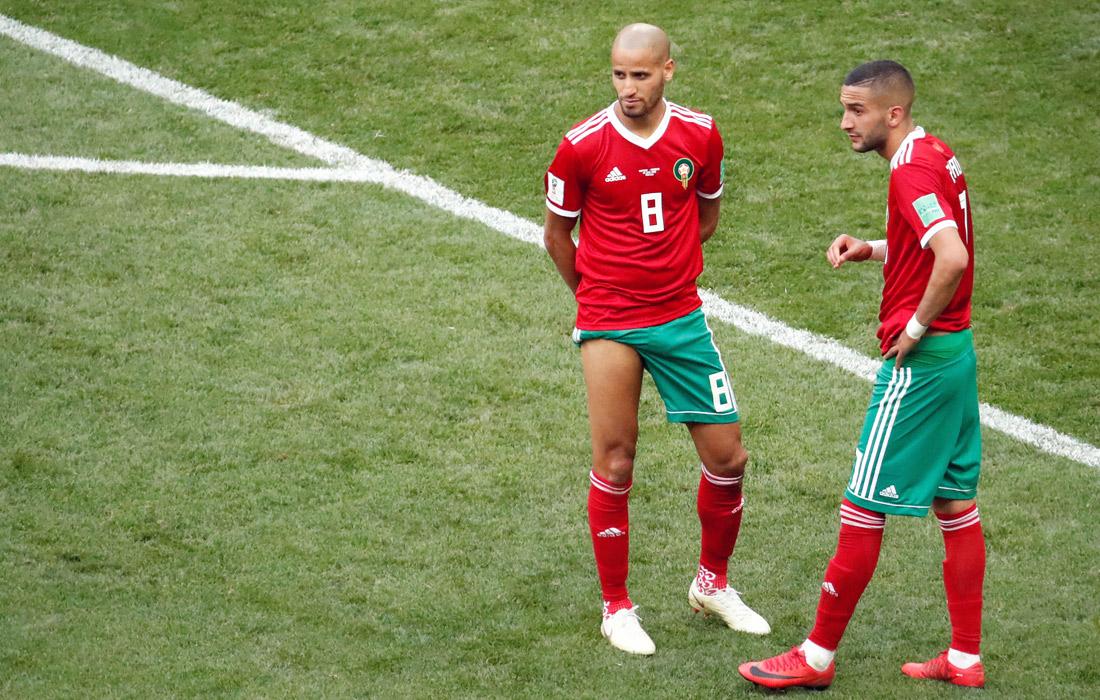 Игроки сборной Марокко Карим Эль-Ахмади (слева) и Хаким Зийех