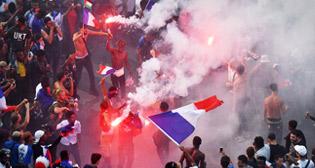 Франция празднует победу сборной на ЧМ-2018