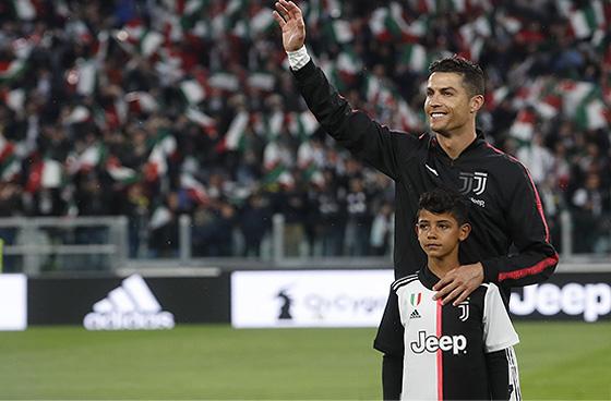 Известные футболисты - сыновья звездных игроков