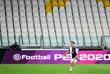 8 марта. Правительство Италии приняло решение о проведении всех спортивных мероприятий, включая футбольные матчи без зрителей.