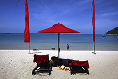 Таиланд начал снимать COVID-ограничения в курортных провинциях