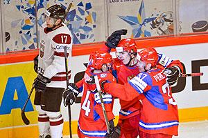 Хоккей: Россия начала с победы