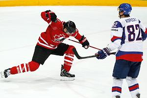 Хоккей: Россия вышла в полуфинал