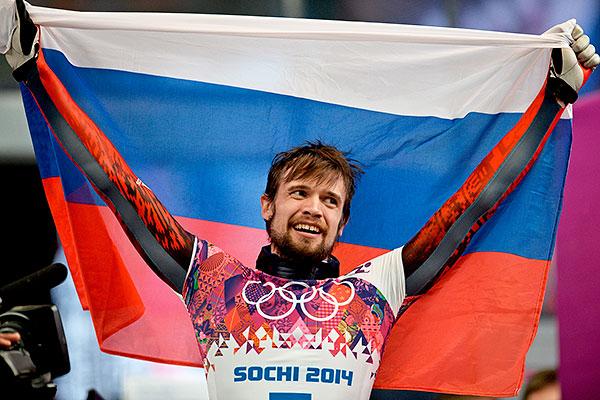 Александр Третьяков (Россия) на финише в финальном заезде на соревнованиях по скелетону среди мужчин на XXII зимних Олимпийских играх в Сочи.