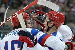 Российские хоккеисты без поражений завершили групповой этап ЧМ
