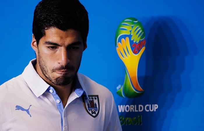 FIFA дисквалифицировала Суареса на четыре месяца за укус соперника