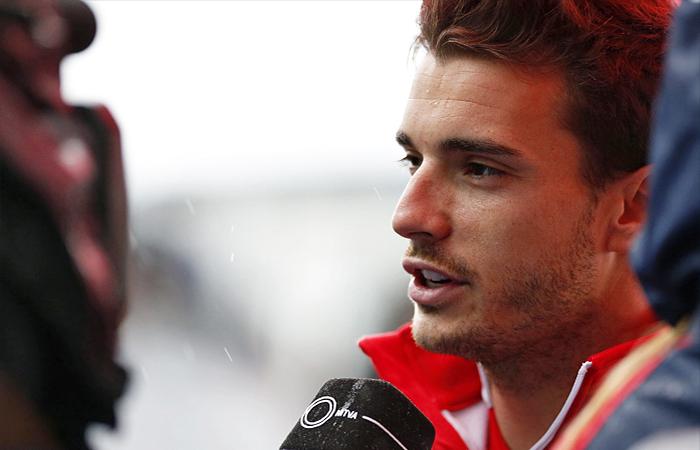 Гонщик команды Marussia Жюль Бьянки выведен из искусственной комы