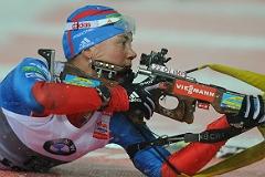 Юрлова завоевала золото в индивидуальной гонке на ЧМ по биатлону