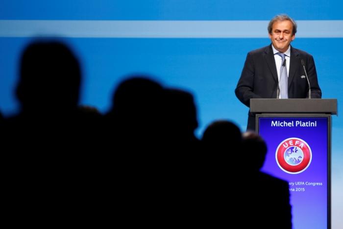 Глава УЕФА Платини переизбран на новый срок