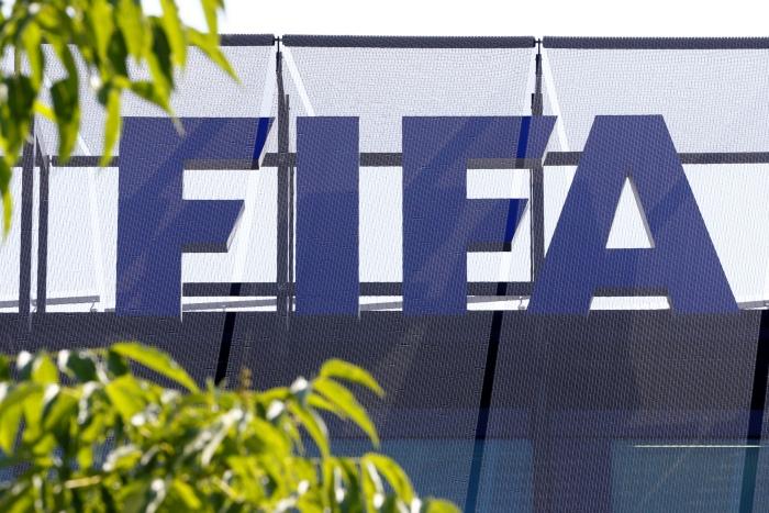 ФИФА временно отстранила от футбола генсека КОНКАКАФ