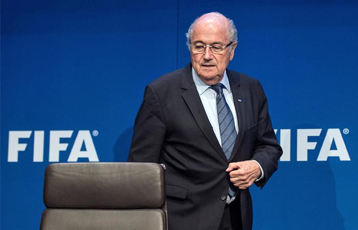 Президент ФИФА Блаттер подал в отставку