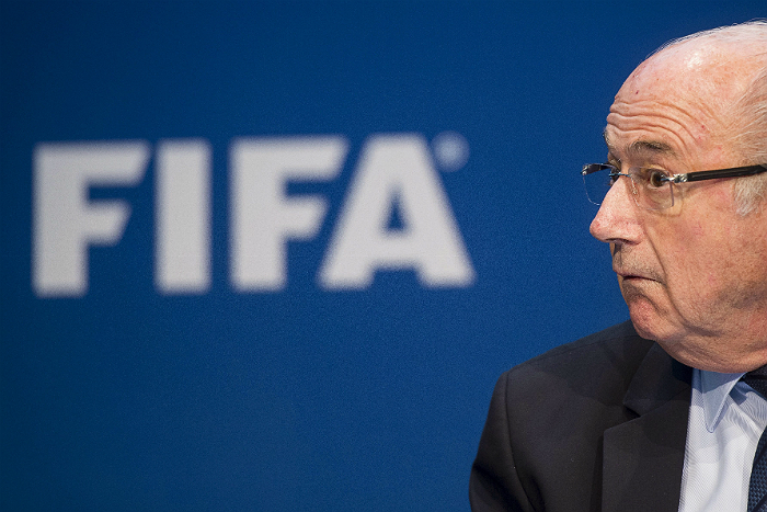 Швейцарские СМИ узнали о возможности Блаттера остаться во главе ФИФА