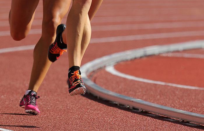 СМИ сообщили о взятках российских легкоатлетов чиновникам ИААФ