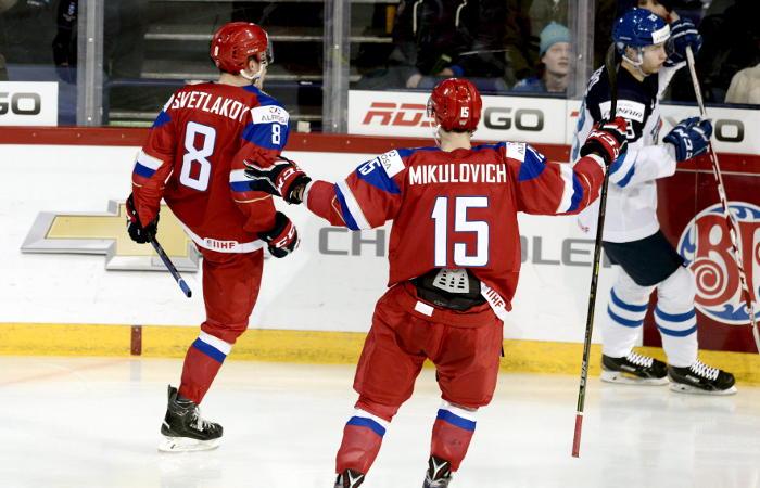 Россия со счетом 6:4 победила Финляндию на молодежном ЧМ по хоккею