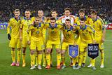Порошенко наградил футболистов сборной Украины огнестрельным оружием