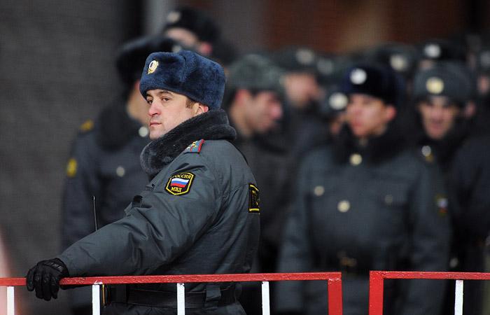 Российскую полицию задействуют на матче сборных Франции и РФ в Париже