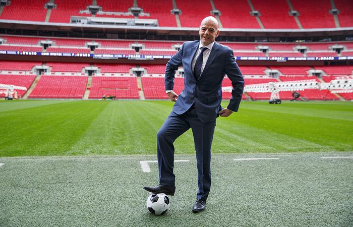 Новый президент ФИФА посетит Москву в конце апреля