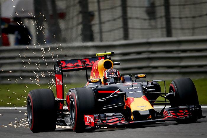 Даниил Квят финишировал третьим на Гран-при Китая