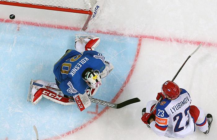 Хоккеисты сборной России победили Казахстан в матче чемпионата мира
