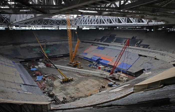 Футбольный стадион в Петербурге пообещали сдать к концу года